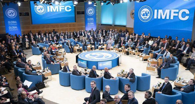 La crisi finanziaria di Argentina e Libano mette a dura prova il successore di Christine Lagarde alla guida del Fondo Monetario Internazionale, la bulgara Kristalina Georgieva. Vietato sbagliare per non perdere credibilità dopo gli errori già commessi.