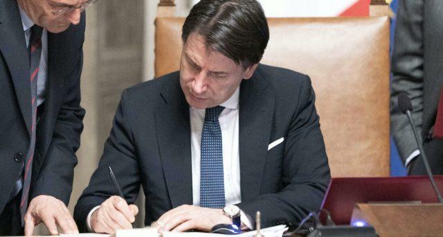 La gestione dell'emergenza si rivela fallimentare da parte del governo italiano. Il premier Giuseppe Conte ha mostrato i limiti suoi personali e della debole maggioranza che lo sostiene. E anche i mercati prendono atto del flop.