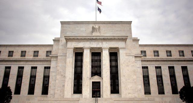 Banche centrali in campo per sostenere le economie in piena emergenza Coronavirus. Gli interventi appaiono rivoluzionari e al contempo rischiosi per la stabilità finanziaria.