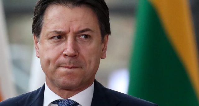 Aiuti del Fondo salva-stati, una non soluzione di scarsa entità e che lascia l'Italia in balia dei mercati finanziari nei prossimi mesi. Il governo italiano non rompe con Bruxelles, svelando il bluff di fine marzo.