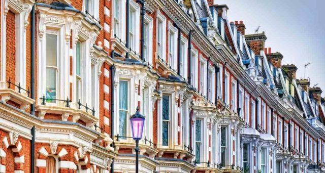 Prezzi degli immobili tornati in calo nel Regno Unito dopo un inizio di 2020 promettente. ELVinvest prevede una ripresa delle quotazioni già tra circa un anno. I fondamentali restano positivi.