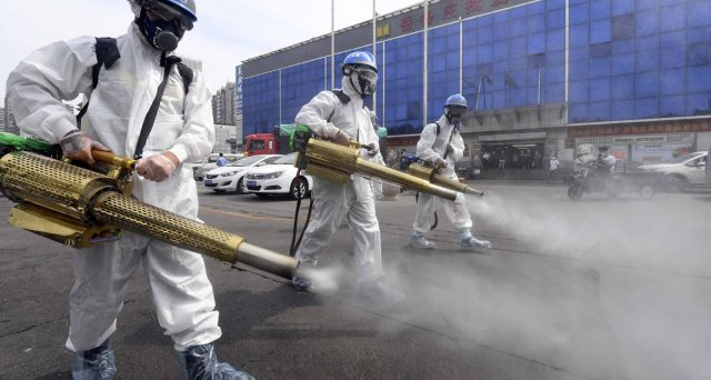 I casi di Coronavirus tornano a salire nella capitale cinese, tant'è che sono state imposte nuove restrizioni. Uno scenario con cui potremmo dover fare i conti nei prossimi mesi.