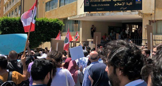 Alta tensione nel Libano, dove tornano le proteste di piazza spontanee contro governo e banche, accusati di