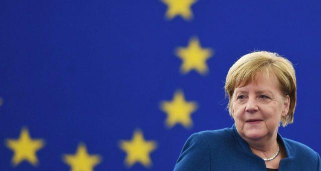 La presidenza di turno dell'Unione Europea passa alla Germania in uno dei peggiori momenti per l'economia del continente. E per la cancelliera tedesca sarà l'ultimo