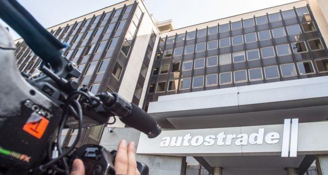 Azioni Atlantia in boom nella seduta di ieri, dopo che il Consiglio dei ministri ha reso noto l'accordo con Autostrade per l'Italia per evitare la revoca delle concessioni.