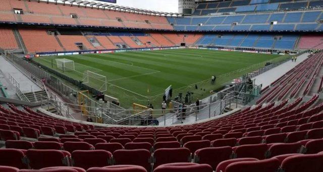 Campionato di calcio a rischio per gli abbonati alla pay tv. Dal prossimo lunedì non c'è certezza di poter seguire le partite. La Lega di Serie A si prepara a spegnere il segnale.