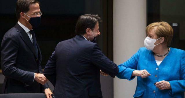 All'Italia spetteranno 209 miliardi di euro lordi, perlopiù in forma di prestiti. L'Olanda ottiene il