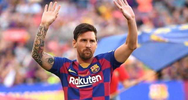 Scontro tra argentino e società blaugrana, con quest'ultima ad essere sostenuta dalla Liga sull'addio del primo. In ballo c'è la maxi-clausola da 700 milioni di euro.