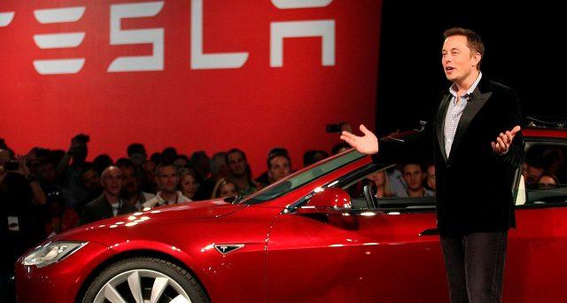 La società di Elon Musk ha sorpreso positivamente nel secondo trimestre, malgrado l'emergenza Covid, accelerando i guadagni in borsa e capitalizzando più di tutti i principali concorrenti automobilistici messi insieme.