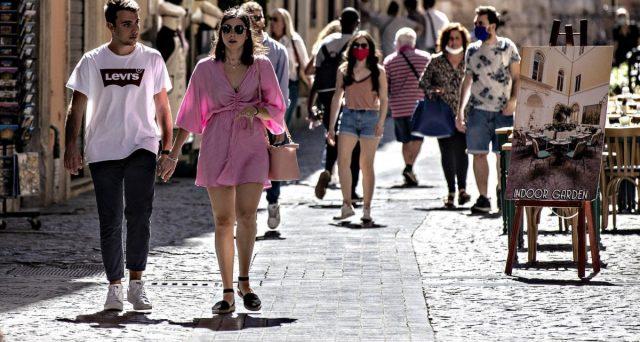 Arrivi dall'estero quasi azzerati e i vacanzieri nazionali non hanno potuto compensarli, risultando essi stessi in calo. E si riduce anche la spesa media.