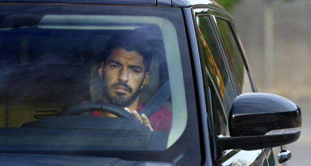 L'attaccante del Barcellona avrebbe conseguito un esame falsato per ottenere la cittadinanza italiana e potere così giocare a Torino. Le indagini rischiano di colpire la società di Andrea Agnelli.
