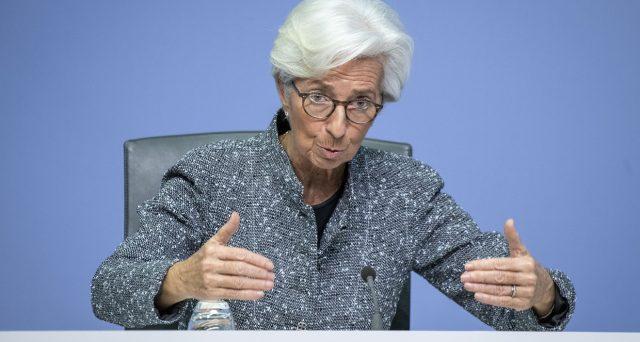 Il board di una settimana fa aveva lasciato perplesso il mercato sul fattore cambio. Il governatore aveva dovuto raccontare una mezza verità per ragioni di forma.