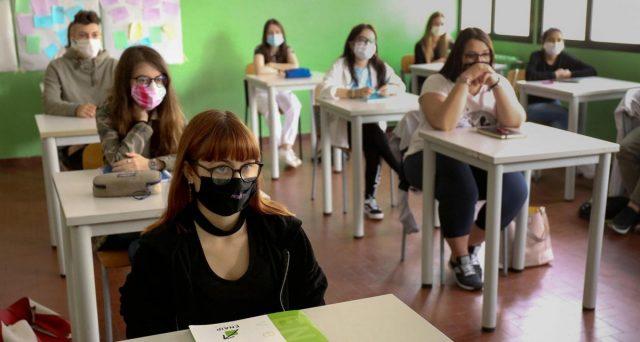 Ritorno in classe per 5,6 milioni tra alunni e studenti italiani. Test importantissimo per capire verso dove andrà la nostra economia nei prossimi mesi.