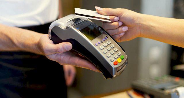 In emergenza Covid è stato boom di pagamenti digitali, eppure esistono alcuni rischi dai quali proteggersi per quelli effettuati senza digitare il PIN.