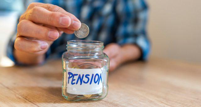 Il premier Giuseppe Conte ha ufficializzato la fine di quota 100 e il governo non ha ancora pronte le misure per evitare il famoso salto di 5 anni a cui andrebbero incontro i lavoratori over 60.