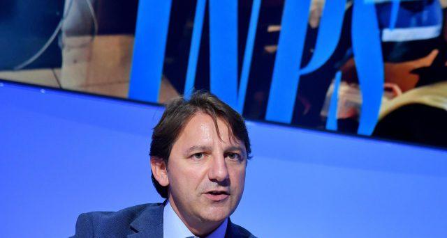 Il presidente dell'Inps ha ricevuto un maxi-rialzo dello stipendio a 150.000 euro. Il Movimento 5 Stelle finge di non sapere, ma l'aumento è avvenuto con Luigi Di Maio ministro del Lavoro.
