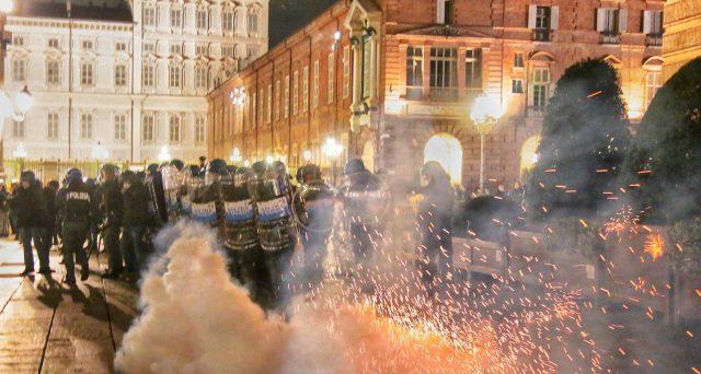 Siamo solo agli inizi con le proteste ... e i lockdown