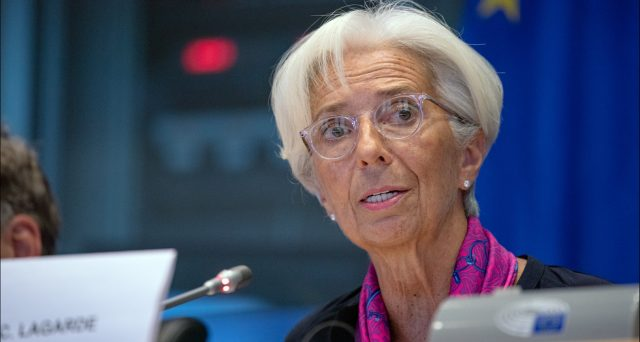 BCE pronta a potenziare gli stimoli monetari