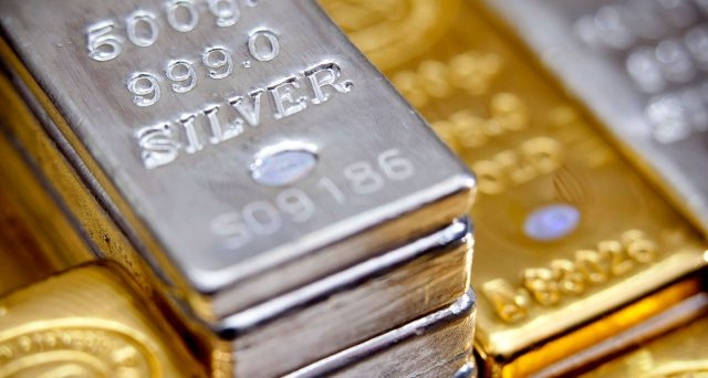 Ripresa globale vicina secondo i metalli preziosi