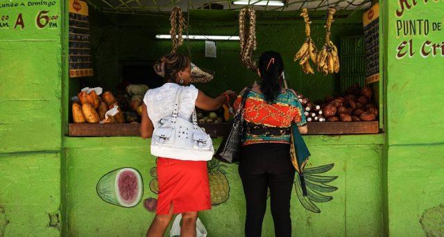 A Cuba i beni scarseggiano e i prezzi esplodono