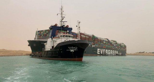 Bloccato il Canale di Suez
