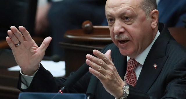 Lira turca di nuovo nei guai