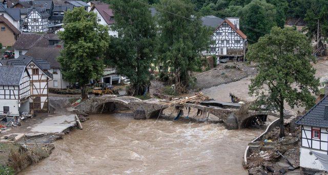 Cambio euro-dollaro sotto pressione con le alluvioni in Germania?