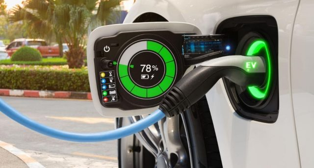 Cosa succede ai conti pubblici con le auto elettriche?
