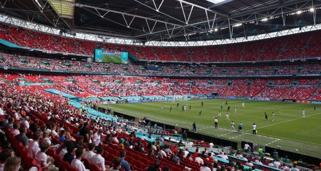 UEFA non cede sulle partite a Wembley