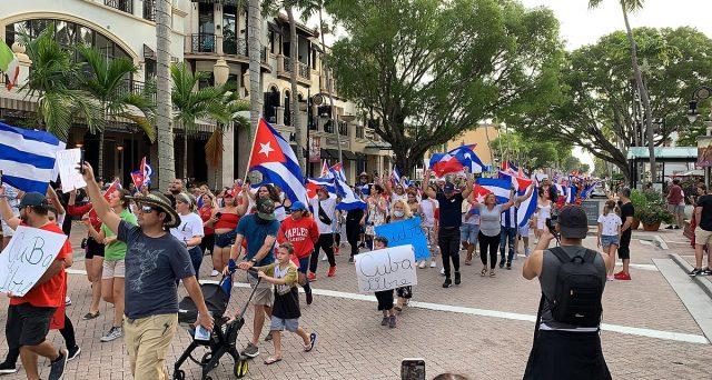 Proteste a Cuba contro il regime