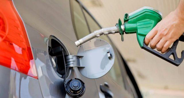 Prezzo della benzina alle stelle con il caro benzina