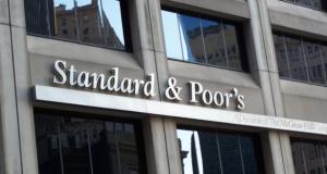 S&P declassa rating UE