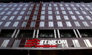 Telecom Italia,  crolla utile primo semestre