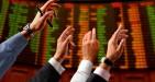 Chiusura Borsa Milano: volano le banche, per il mercato Macron è già presidente