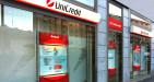 Quotazione Unicredit in rosso: mercato guarda a raggruppamento azionario