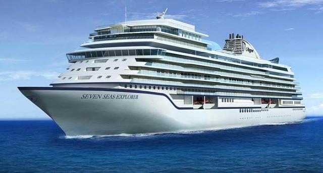 La Seven Seas Explorer ha una lunghezza di 223 metri e può ospitare a bordo 750 passeggeri in 375 ampie suite