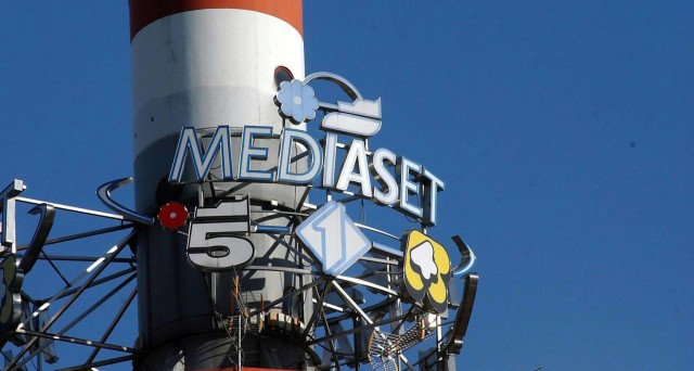 Vendite su Mediaset dopo il downgrade deciso da Barclays (giù anche il target price)