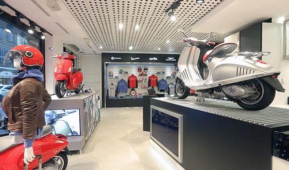 Piaggio: prosegue il rafforzamento della rete distributiva, raggiunti 200 Motoplex nel mondo che offrono veicoli Piaggio, Vespa, Aprilia e Moto Guzzi