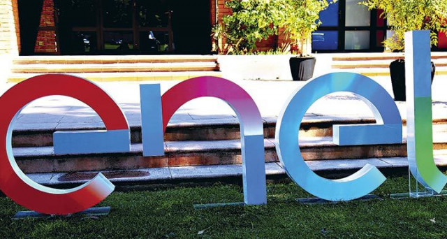 Exane ha alzato il rating di Enel a outperform dal precedente neutral