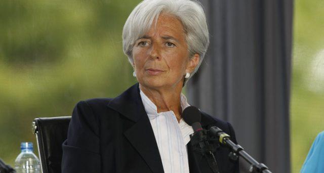 Anche se Lagarde ha sottolineato la necessità di un ampio grado di accomodamento monetario, ha anche invitato i paesi del vecchio continente ad attuare riforme fiscali che sostengano la crescita e facciano esplicare a pieno gli effetti degli stimoli monetari.