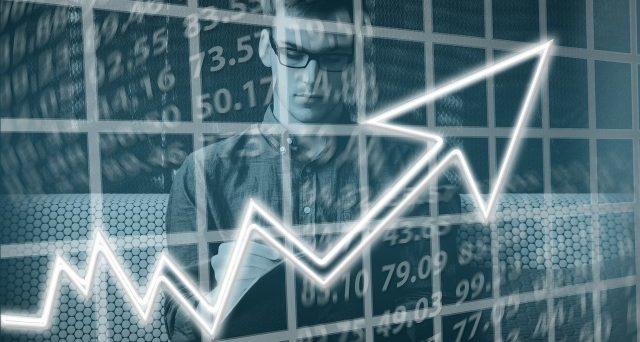 La capacità di generare ricavi e di far crescere la redditività operativa, come sintomo di una sana gestione dell'operatività core testimoniano la qualità della società analizzata.