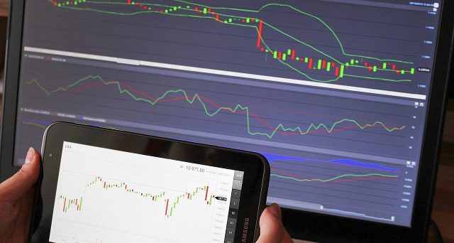 In questa analisi, Luca Giusti, Trader sistematico su Opzioni e Futures dal 2002, analizza l'andamento che il VIX ha avuto negli ultimi 16 anni per capire se esiste, nella volatilità implicita, un comportamento che si ripresenta sistematicamente nel tempo.
