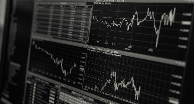 In questo articolo Luca Giusti presenta dei bias nei prezzi di mercato che si presentano in concomitanza del rilascio di alcune notizie sensibili (in questa analisi le decisioni sui tassi del FOMC e della FED, i Non Farm Payrolls e i dati sui raccolti USA), da sfruttare ad esempio entrando in posizione prima del rilascio ed uscendo a fine giornata.