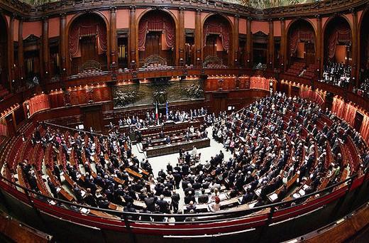 L'Italia è sola sul ring – la manovra ci ha messo KO.  Per la prima volta nella storia della UE saremo giudicati per direttissima