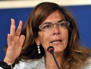 La manovra finanziaria 2011 non soddisfa Confindustria che lancia le sue proposte per salvare l'Italia: riforma pensioni e vendita beni pubblici i punti portati del piano Marcegaglia