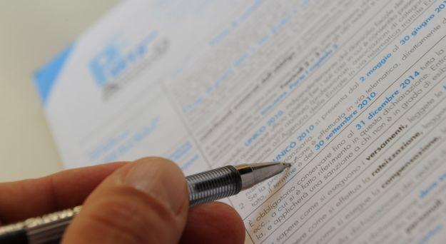 Scade il 27 dicembre il termine per il versamento dell'acconto Iva 2011. I tre metodi per il calcolo dell'acconto Iva, le sanzioni per l'omesso versamento ed il ravvedimento operoso.