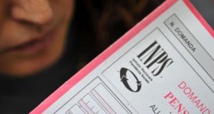 Tra le novità introdotte dalla Riforma Monti e Fornero anche il divieto di pagamenti in contanti per pensioni superiori ai 1000 euro