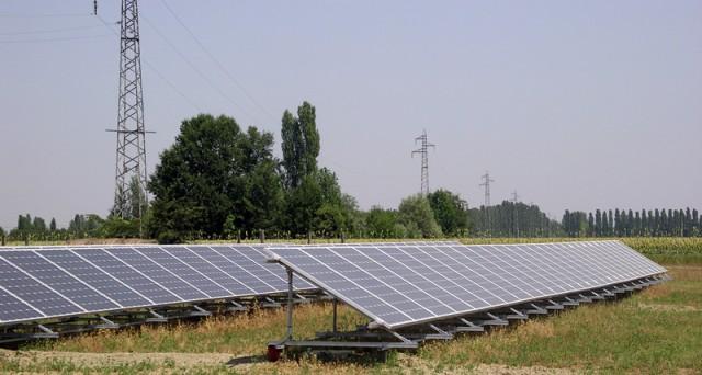 Vietato l'accesso agli incentivi statali per l'installazione di impianti solari fotovoltaici con moduli collocati a terra in aree agricole