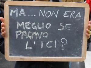 Mentre sulle case siamo alla solita guerra delle cifre, sui negozi non ci sono dubbi: il governo Monti rilancia il commercio affossando di tasse i commercianti