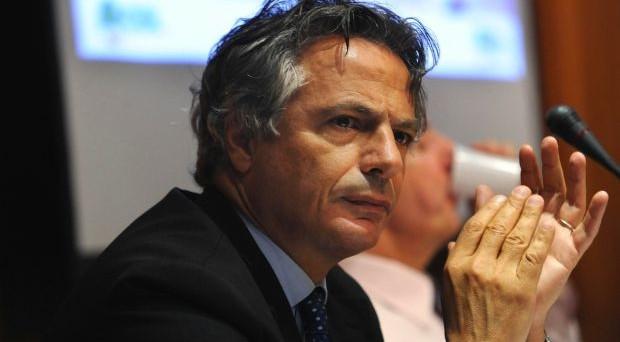 Un decreto del CICR conferma quanto deciso a suo tempo dal Governo Monti che sulle commissioni bancarie ha fatto un passo indietro per accontentare l'ABI e ottenere il plauso del suo Presidente Mussari